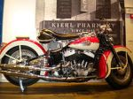 220px-Vintage_harley_davidson_photo_in_madrid_spain_2011